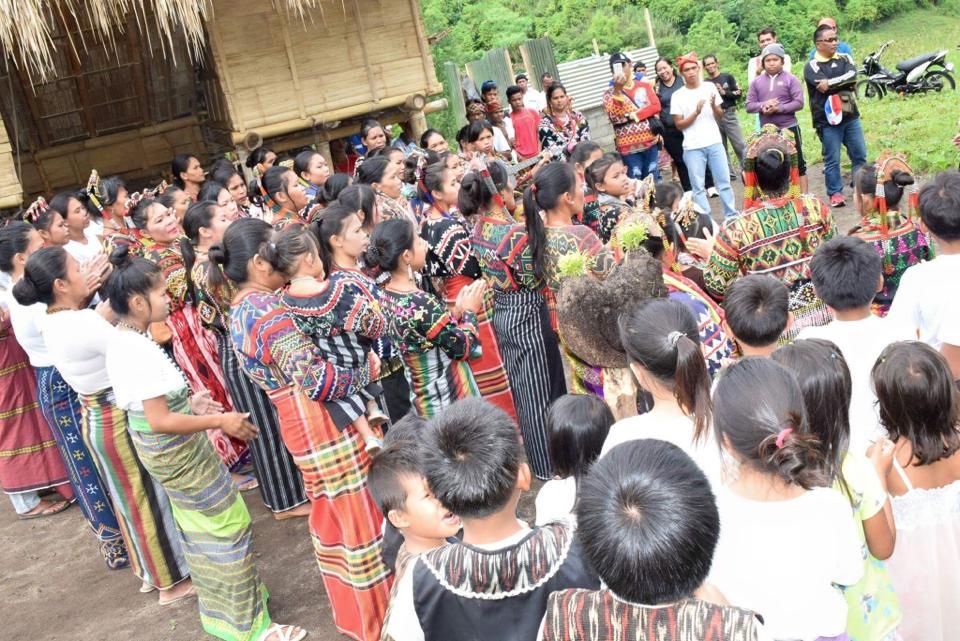 LGU-Tboli opens Gunu Bong, the tourist receiving center in Hidak Falls