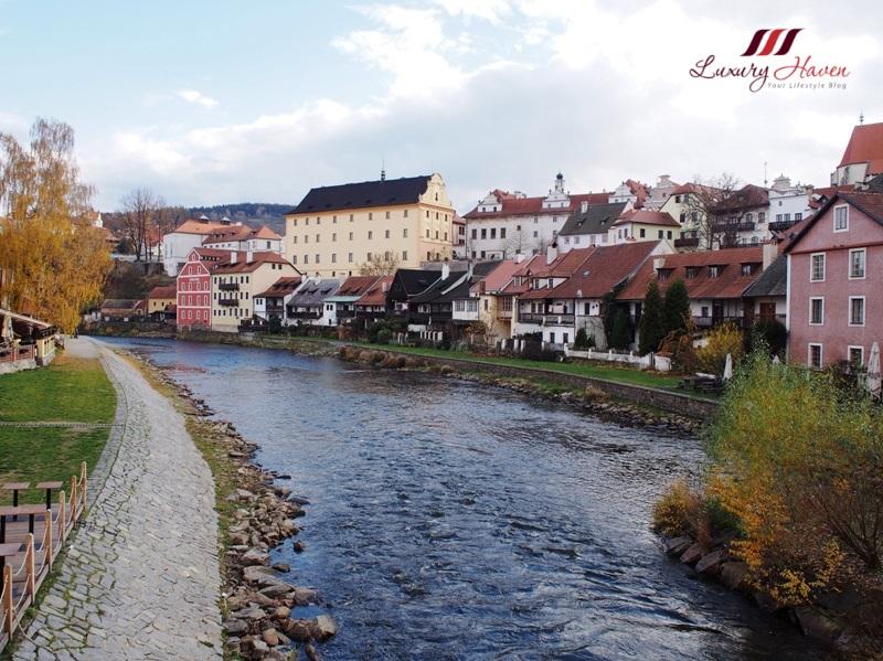 czech republic cesky krumlov river vltava tour