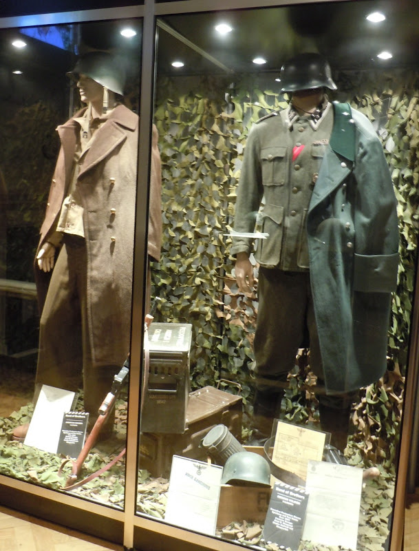 Band of Brothers TV costumes