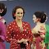 4 Desainer Indonesia Membuat Kain Tradisional Tampak Modern