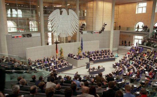 Parlamento de Alemania condena ataque a Siria