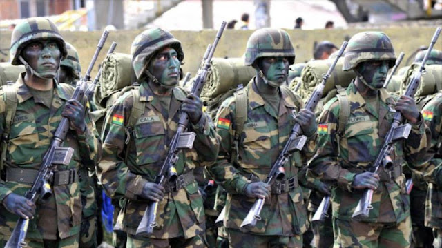 Bolivia manda grupo de élite militar a frontera con Chile