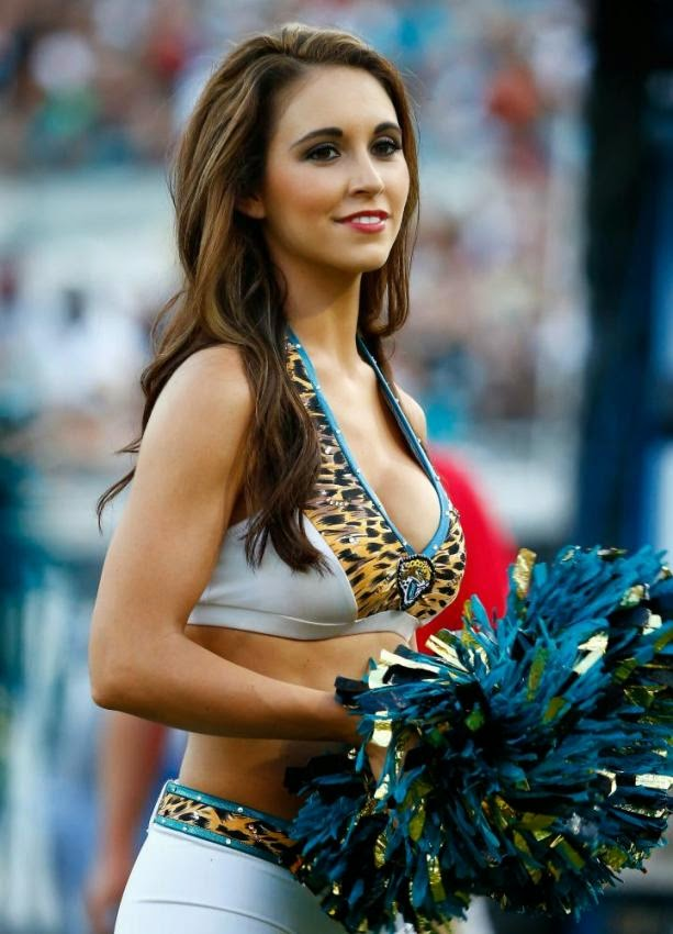 THE HOTTEST CHEERLEADER PHOTOS OF 2014