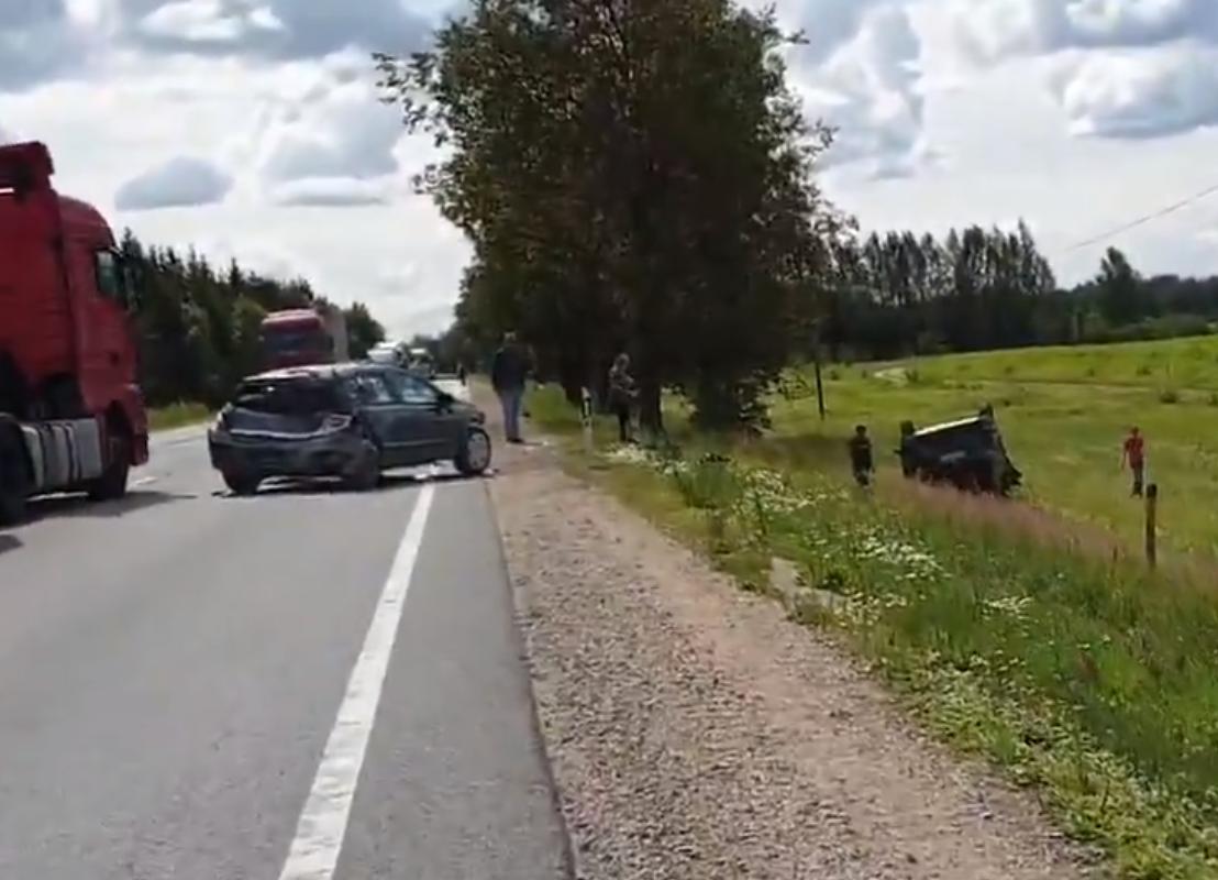 Trīs automašīnu avārija uz Bauskas šosejas A7.