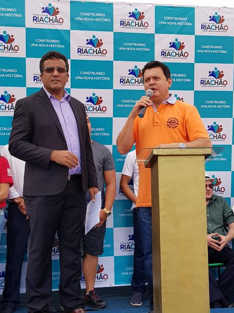 Deputado Rigo Teles parabeniza a cidade de Riachão pelos seu aniversário.