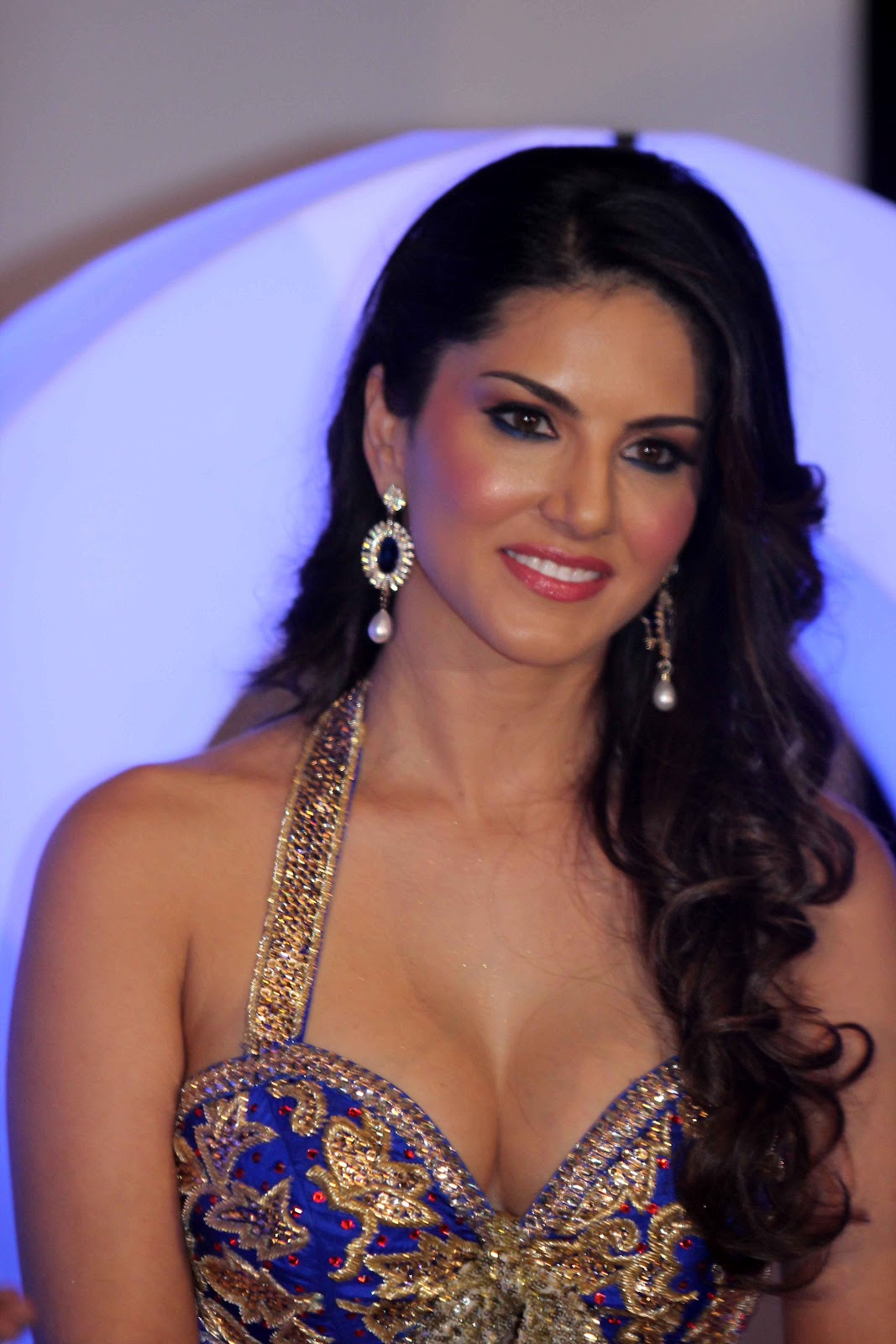 High Quality Bollywood Celebrity Pictures Sunny Leone -9849