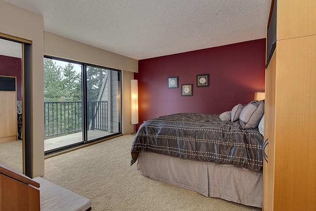15 Mesmerizing Maroon Living Room Walls   Burgundy living ...