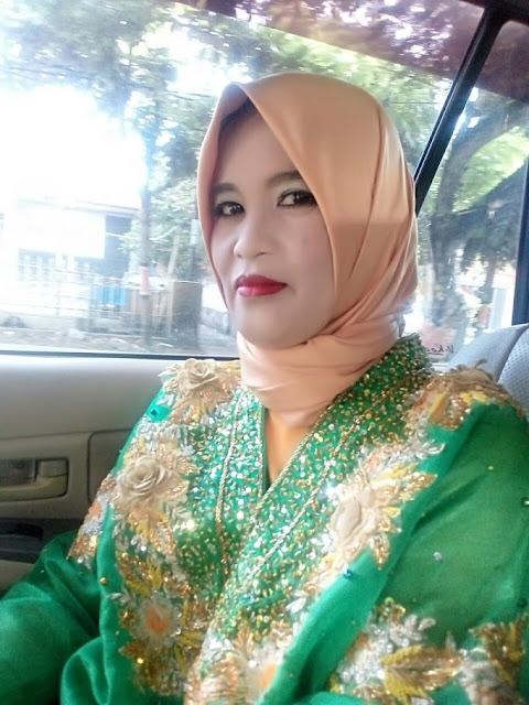 Masniati Seorang Janda Beragama Islam Suku Makassar Berprofesi PNS Di Bantaeng Provinsi Sulawesi Selatan Mencari Jodoh Pasangan Pria Untuk Jadi Calon Suami