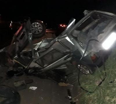 Acidente na PR-444 deixa duas pessoas gravemente feridas
