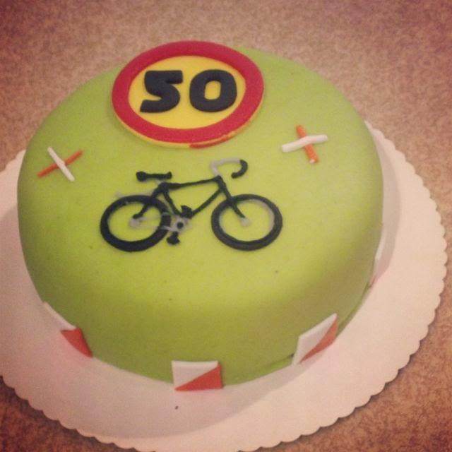 tårta 50 år Annas bakstuga: Ful bild på ganska fin tårta tårta 50 år