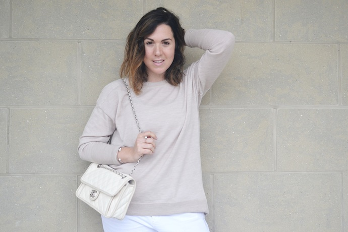 Beige outfit idea winter white pants
