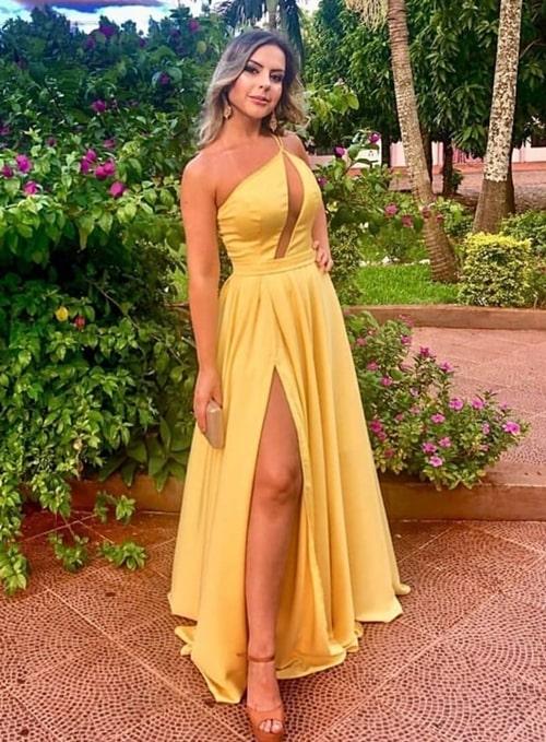 vestido longo amarelo fluido com fenda