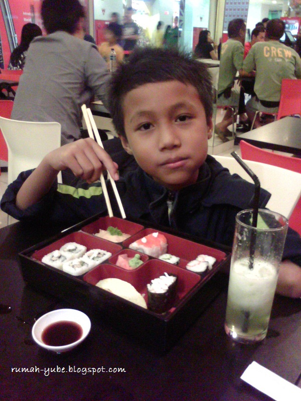 menu sushi set di shibuya resto semarang