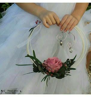 Cerchio fiorito portafedi