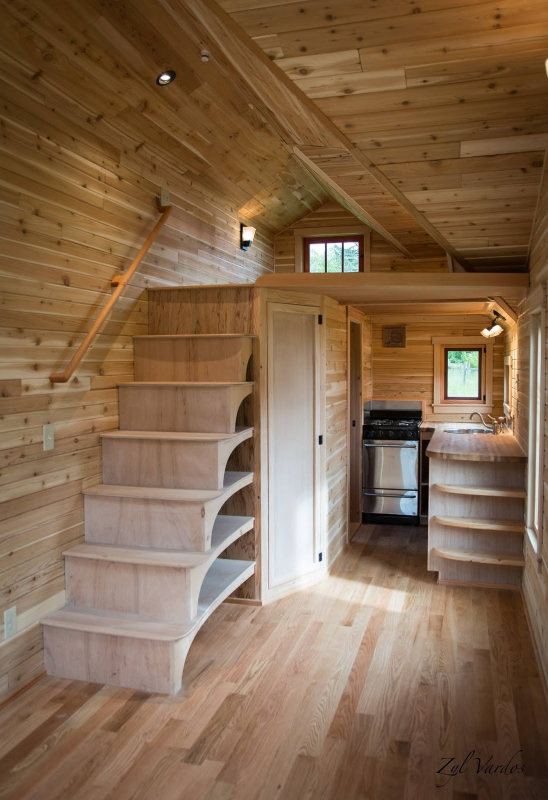 Tiny house town the fuchsia by zyl vardos for Cottage plans with loft and big kitchen