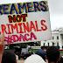 Tensão: Jovens saem às ruas temendo a deportação nos EUA.