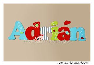 letras de madera infantiles para pared Adrián con siluetas piratas babydelicatessen