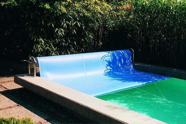 pool und schwimmbad wissen aus erfahrung eine pool abdeckung als isolierung. Black Bedroom Furniture Sets. Home Design Ideas