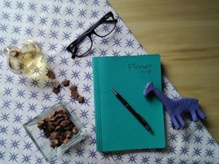 przedmioty, niebieskie, stół