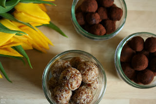 http://be-alice.blogspot.com/2014/05/5-minute-chocolate-truffles.html