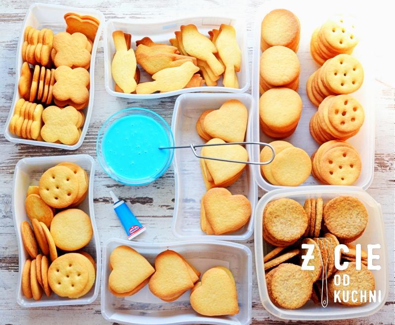 autyzm, light it up blue, wkrec sie w autyzm, swiatowy dzien wiedzy na temat autyzmu, ciastka, nienieski, lukier, krakow, malopolska, blog, zycie od kuchni