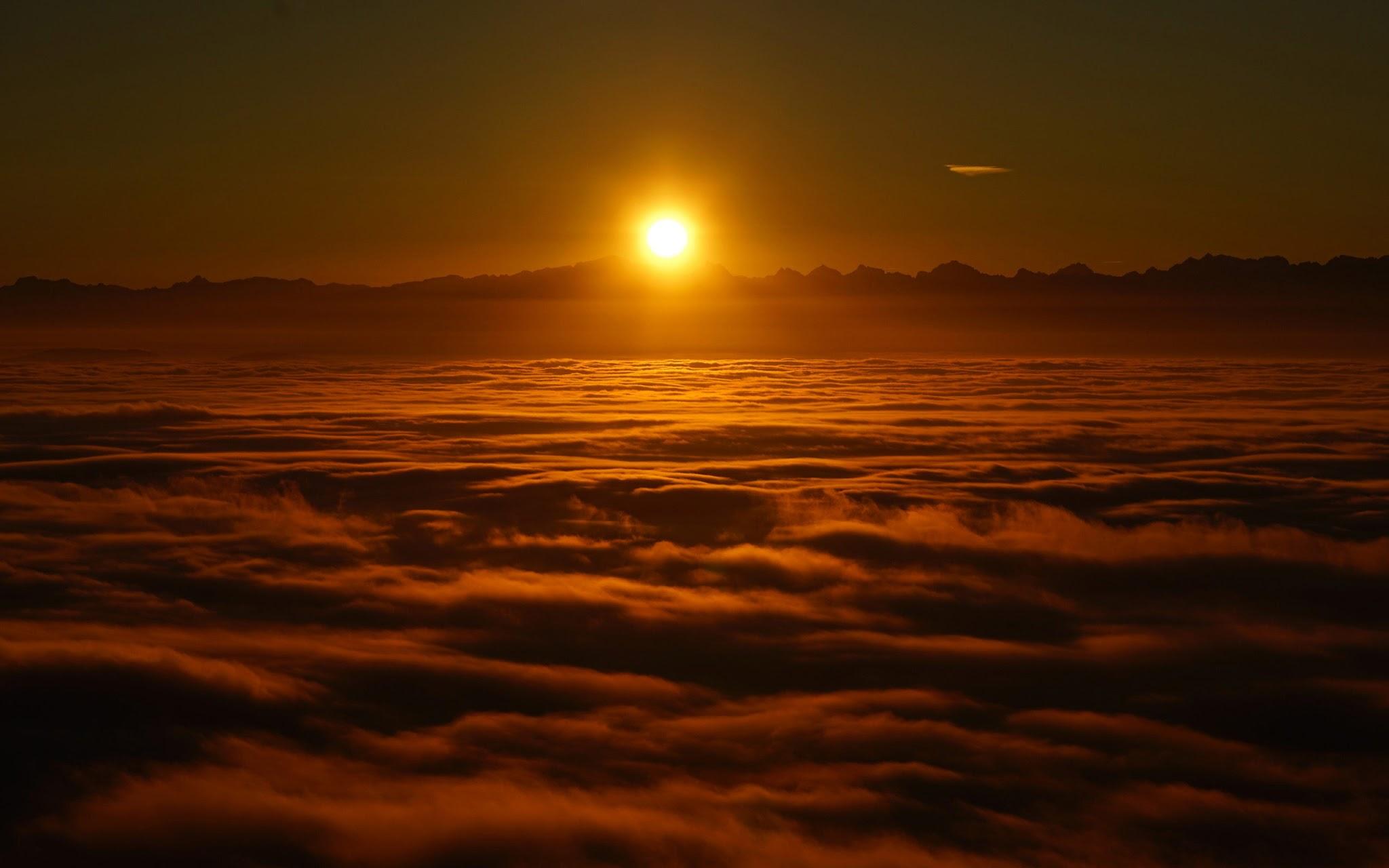 Nascer do sol acima das nuvens papel de parede grtis para pc hd papel de parede grtis nascer do sol acima das nuvens para pc notebook iphone thecheapjerseys Choice Image
