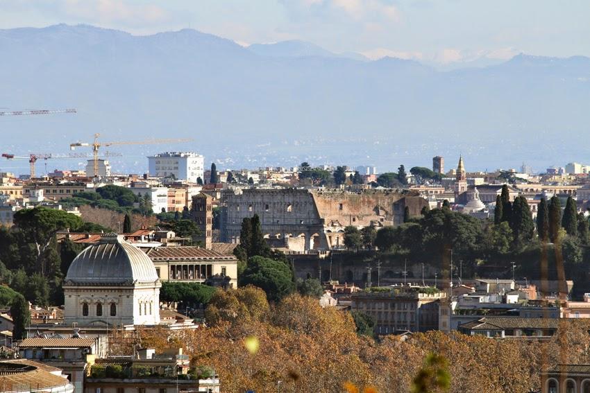 Widok z Gianicolo na Koloseum