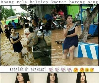 foto cewek viral di lokasi banjir