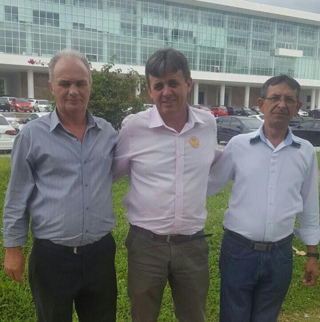 Prefeito de Iretama viaja para Curitiba em busca de verbas