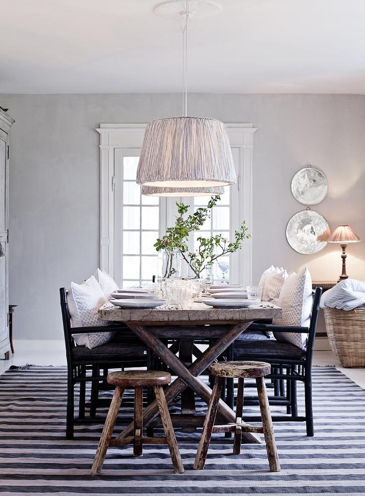 decorando y renovando comedores con encanto. Black Bedroom Furniture Sets. Home Design Ideas