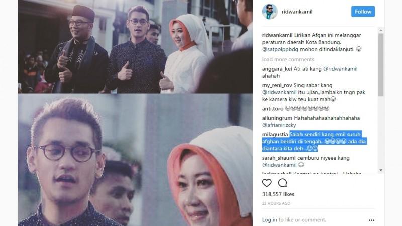 Ridwan Kamil melirik istri Ridwan Kamil