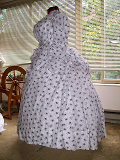 Reproduction 1865 semi-sheer en tablier dress.