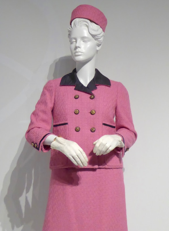 112263 Jackie Kennedy pink outfit