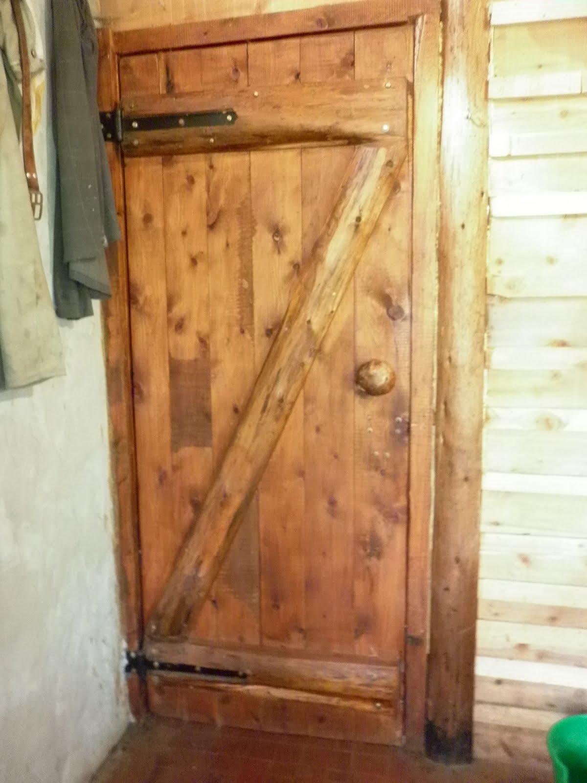 Puertas rusticas de interior for Puertas de madera baratas