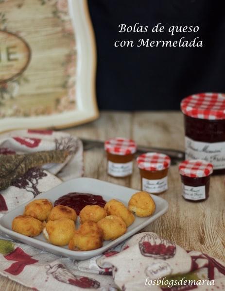 Bolas de queso con mermelada de fresa