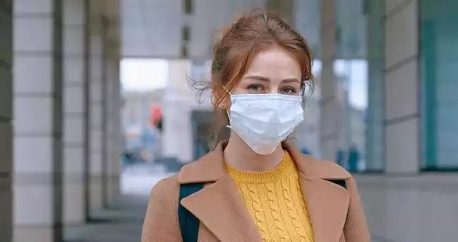 Κορονοϊός - πνευμονολόγος: Τα γάντια και οι μάσκες δεν προστατεύουν από τίποτα (vid)