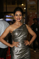 Rakul Preet Singh in Shining Glittering Golden Half Shoulder Gown at 64th Jio Filmfare Awards South ~  Exclusive 033.JPG