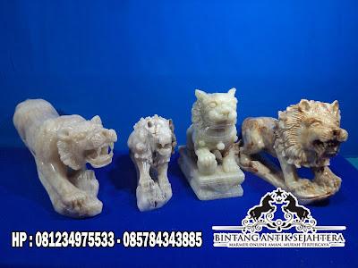 Patung Singa Marmer