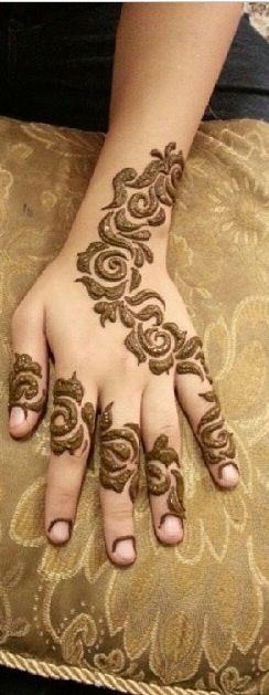 Henna Mehndi Rose Design For Eid : Stunning flower mehndi designs for eid bling sparkle