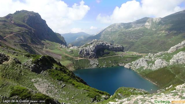 Vistas al Lago de la Cueva en el Parque Natural de Somiedo