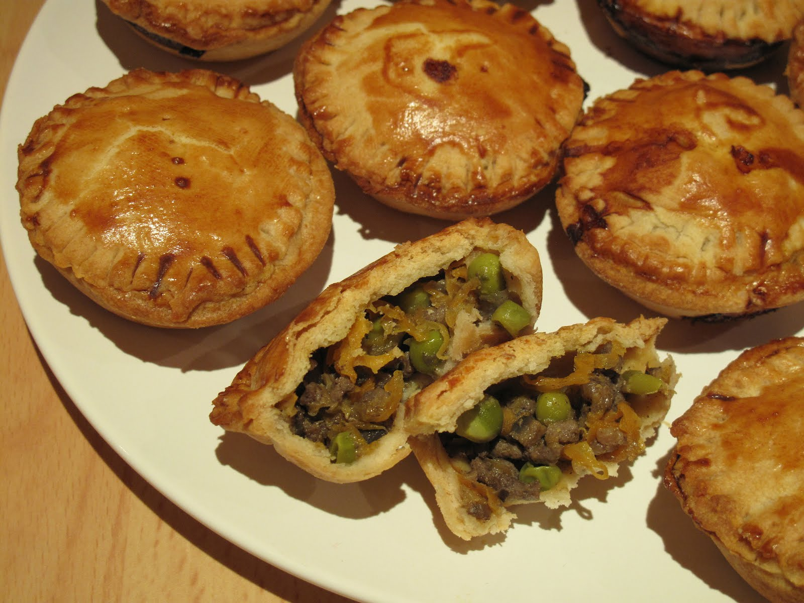 Hungry Jenny: Friday Pie Day: Mini Minced Beef and Onion Pies