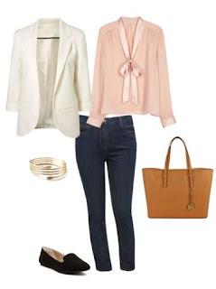 Calças de ganga com blusa rosa pastel, blazer branco e sapatos rasos pretos