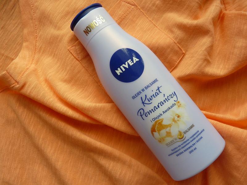 NIVEA Olejek w balsamie Kwiat Pomarańczy i olejek awokado oraz Suchy szampon dla brunetek FRESH REVIVE