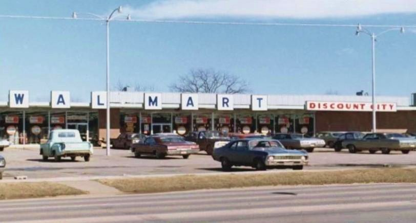 Pleasant Family Shopping July 2, 1962 - The First Walmart Opens
