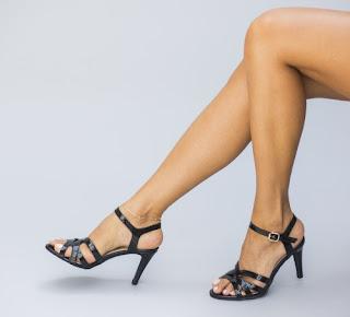 Sandale elegante negre cu toc subtire de zi de vara