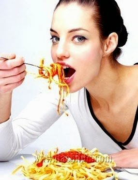 9 Jenis Makanan Sebaiknya Jangan Dimakan Malam Hari