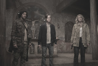 "Tarun Keram as Jakob, Alexander Calvert as Jack, and Samantha Smith as Mary Winchester in Supernatural 13x20 ""Unfinished Business"""