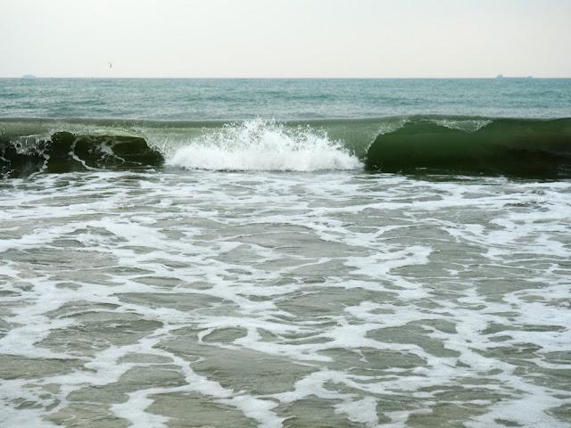 Crashing waves on Cheung Sha beach, Lantau Island, Hong Kong