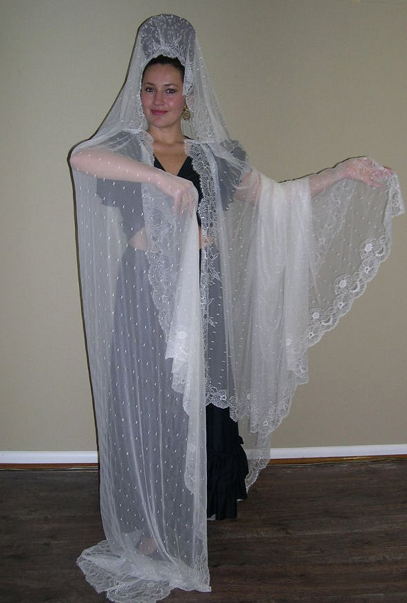 Traditional Spanish Wedding Dress | Traditional Wedding ...