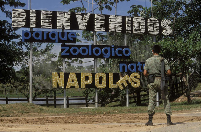 A sign welcomes visitors to the hacienda's zoo.